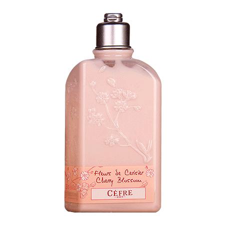 樱花滋润补水身体乳